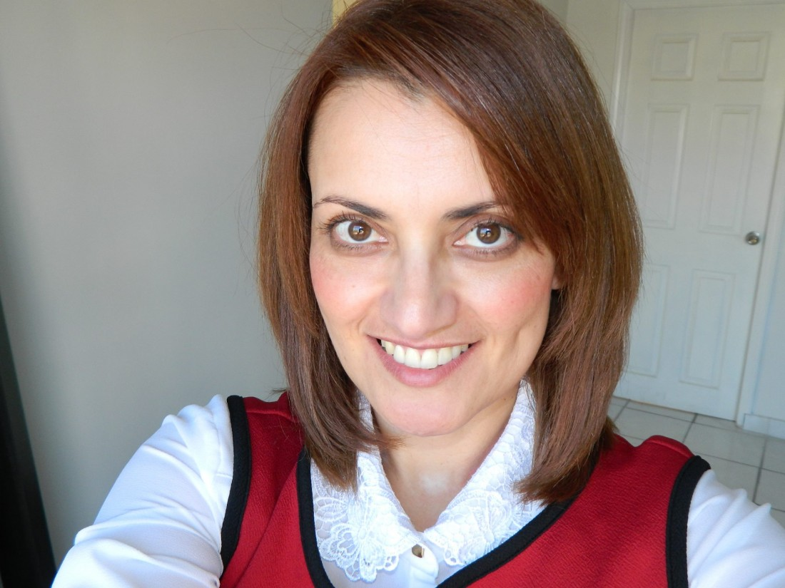 Poeta, Escritora Sally Ochoa