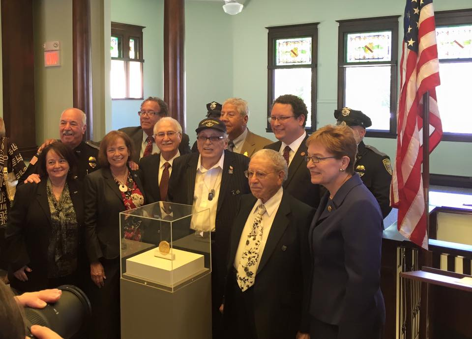 'BORINQUENEERS' FROM 65TH  INFANTRY REGIMENT RECEIVE SPECIAL ISSUED GOLD MEDALS